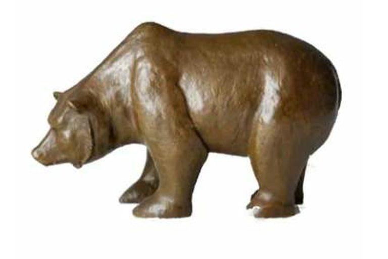 GDS Fiver World - Animal Statue - Bear3-min