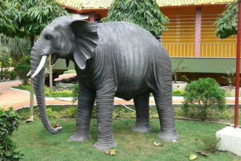 GDS Fiver World - Animal Statue - Elephant1-min